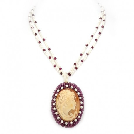 Beaded necklace, garnets and faceted cameo