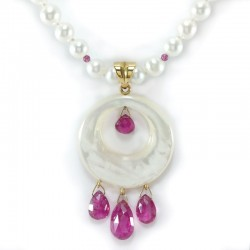 Necklace of fresh water pearls and beads of amethyst, pendant with mother-of-pearl and rubellite