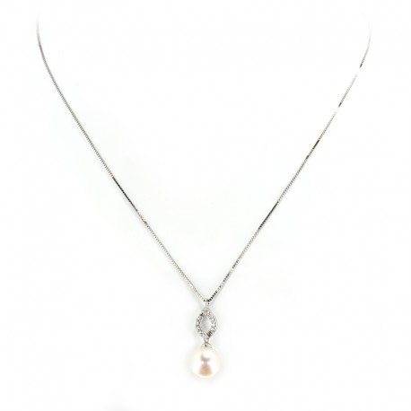 Necklace and pendant in white gold with freshwater pearl and diamonds