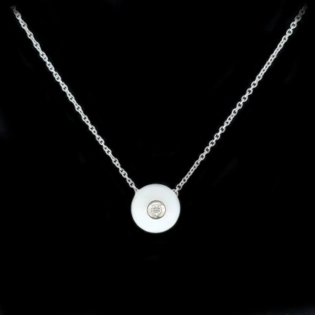Necklace and pendant in white gold, white agate and brilliant cut diamond