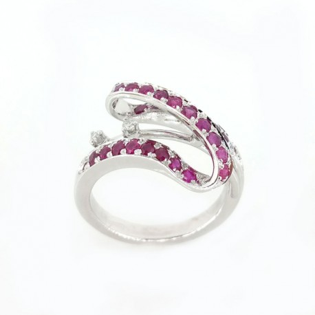 Ring in white gold with rubies and diamonds