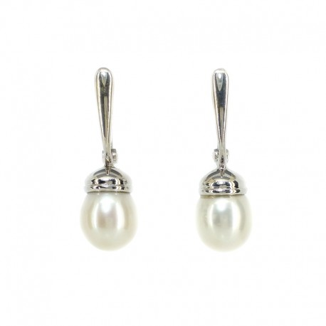 Earrings in white gold and pearls