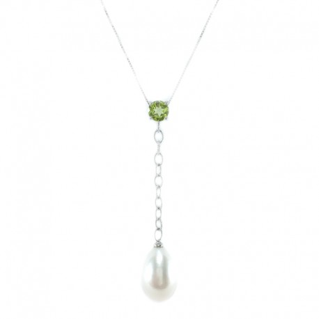 Necklace and pendant in white gold, peridot and pearl