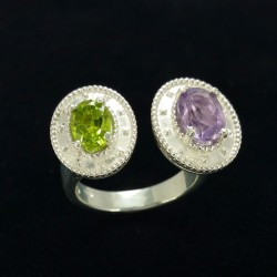Ring in silver, peridot and amethyst