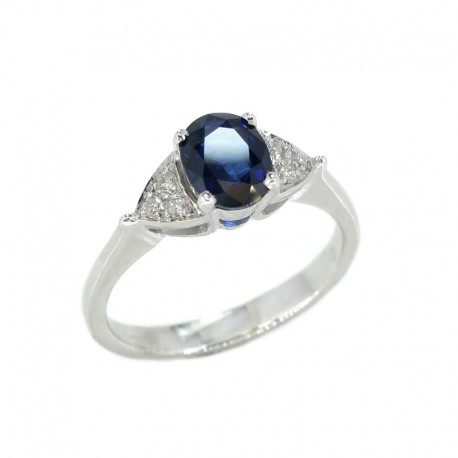 Ring in white gold, sapphire and diamonds