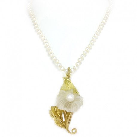 Pearl necklace, pendant in yellow gold lost wax and calla in rock crystal