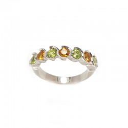 Ring 7 stones in white gold with peridot and yellow topazes