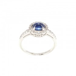 Ring white gold with sapphire and diamonds