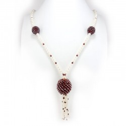 Necklace of semi-precious stones and fresh water pearls